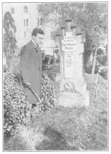 The author at the grave of Bosco. From a photograph in the Harry Houdini Collection.