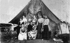 The First Women Colonists of La Gloria. Mrs. Spiker. Mrs. Horn. Mrs. Morrison. Mrs. Matthews. Miss Boston.                     Mrs. Hovora Mrs. Lowell. Mrs. McElman. Edna Horn. Mrs. Smith.    Mrs. Neff.