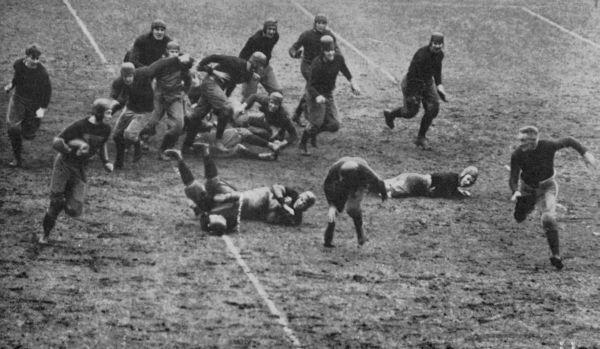 King, of Harvard, making a run; Mahan putting black on his head