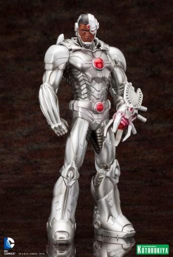 """New 52"" Cyborg Statue"