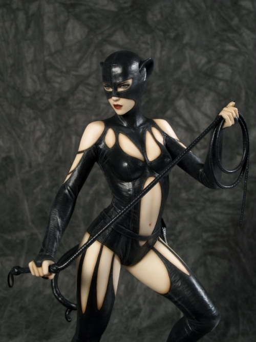 1/6th Scale Catwoman Statue