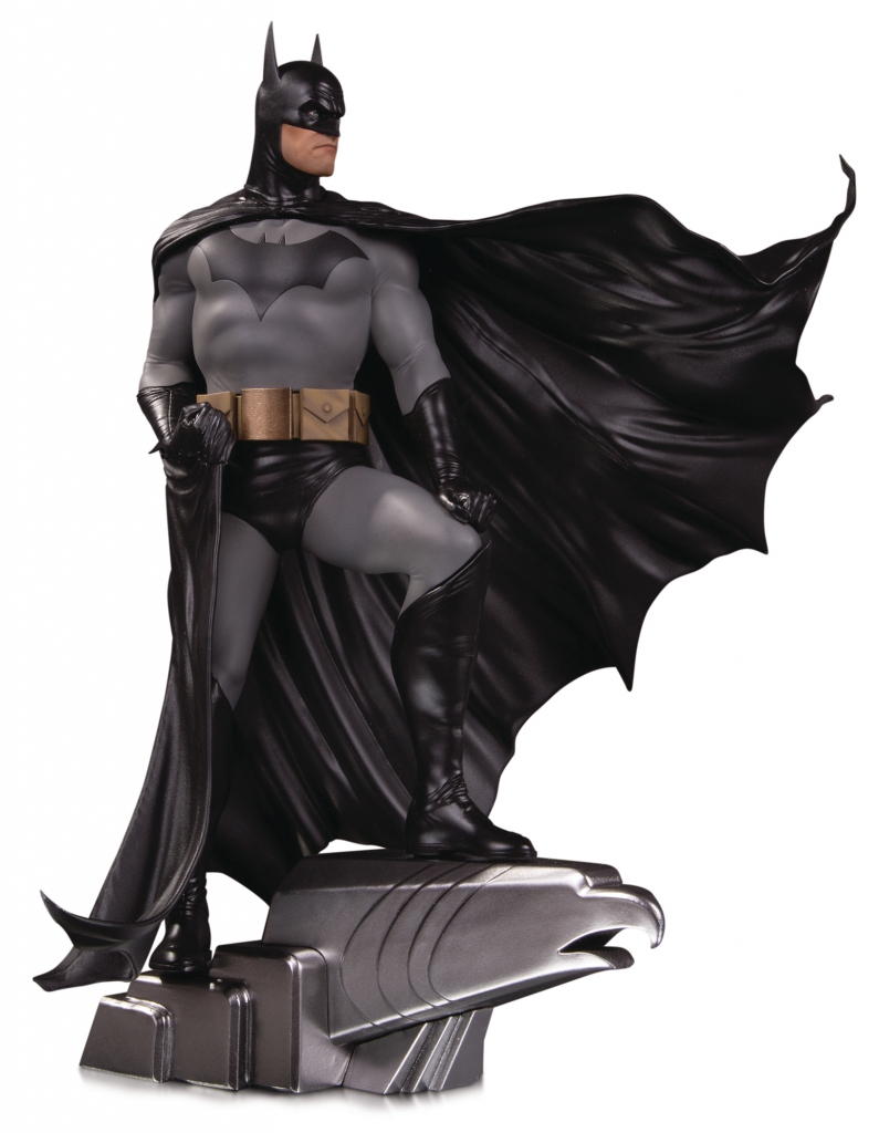 Batman by Alex Ross Deluxe Statue