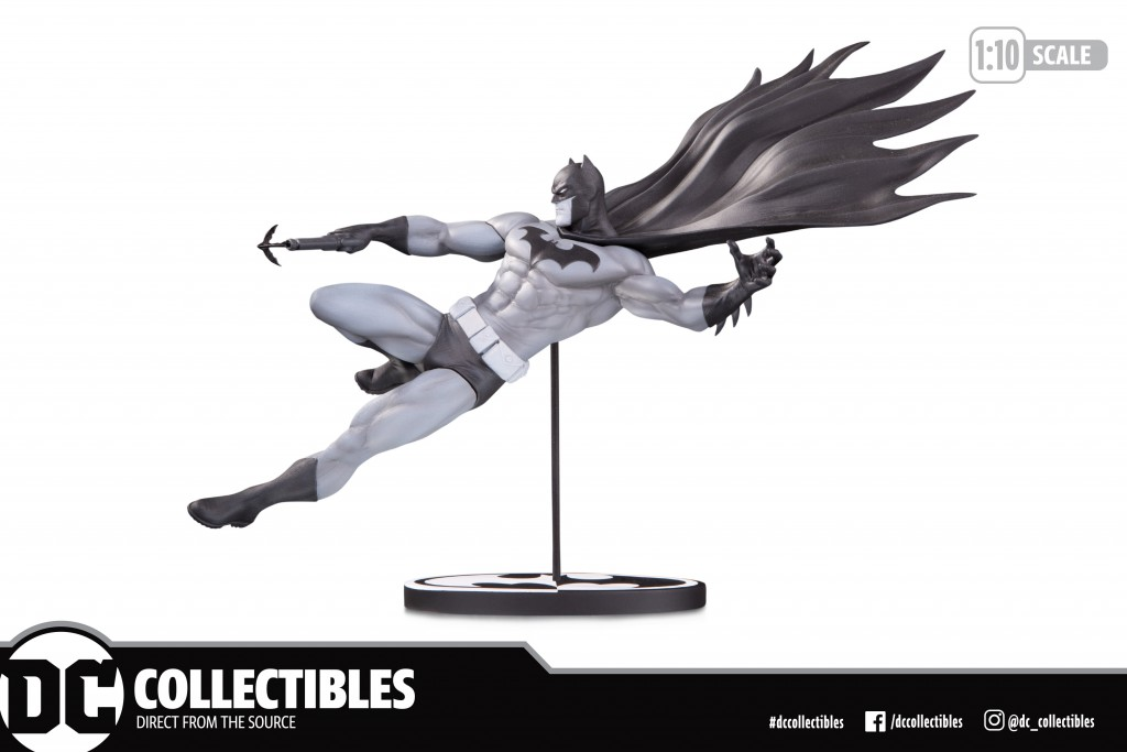 Batman Black & White Statue by Doug Mahnke