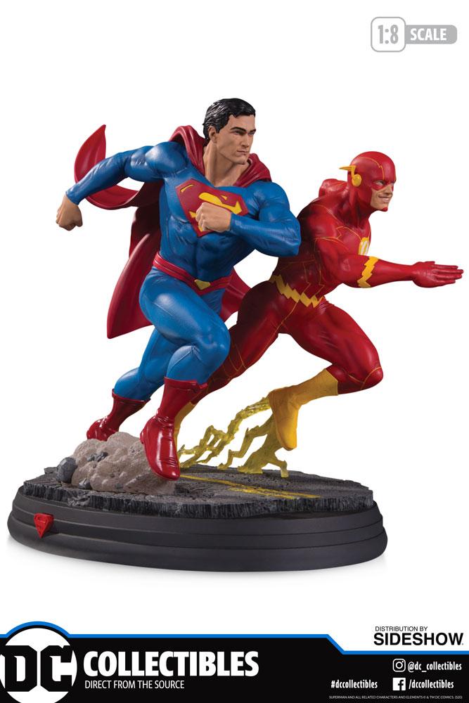 Sideshow Superman vs. The Flash Racing Statue