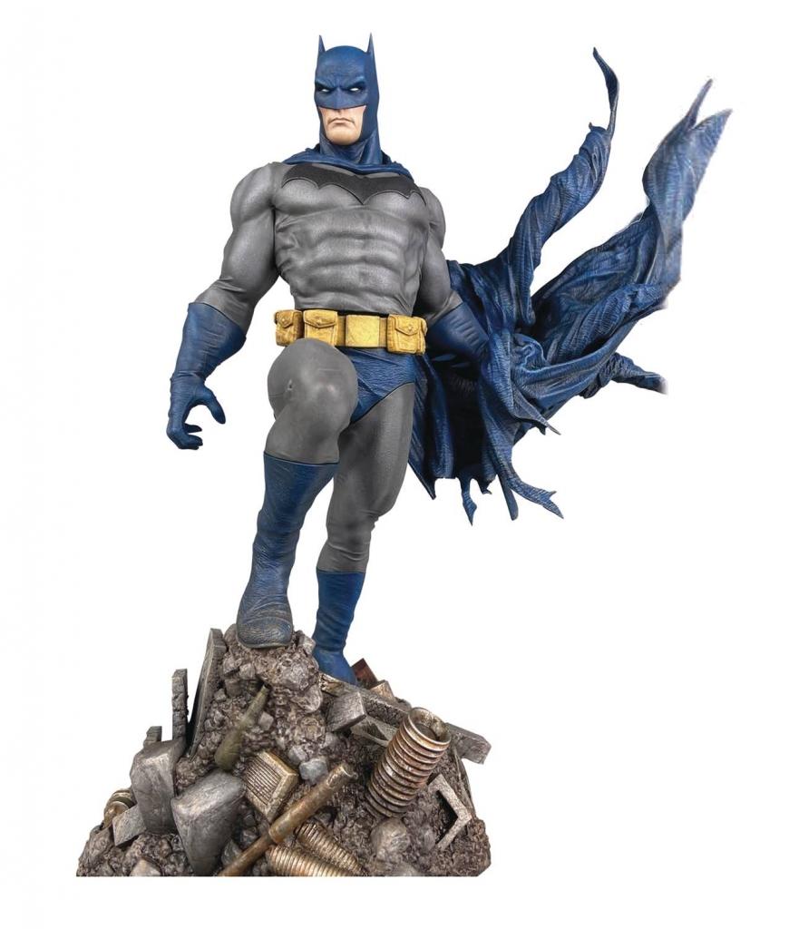 Batman Defiant PVC Statue
